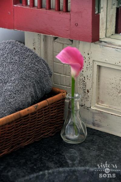 flowerbathroom